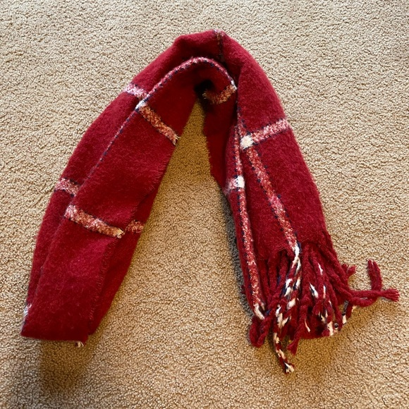 American Eagle Red Scarf